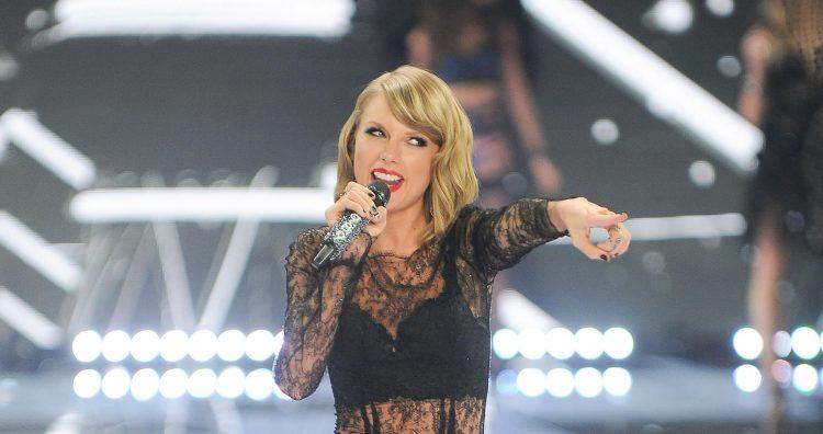 Taylor Swift at the 2014 Victoria's Secret Fashion Show